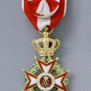 Avers insigne Officier Ordre de Saint Charles